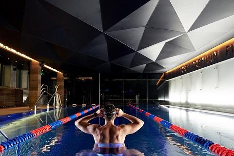 Клуб EDGE Premium Fitness пригласил на тест-драйв известных новосибирцев