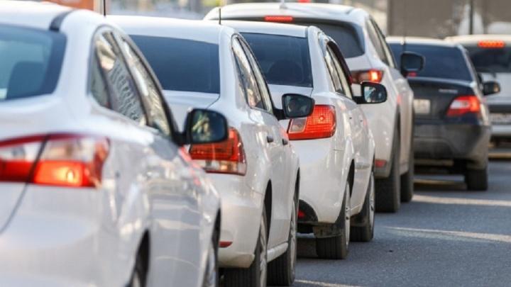 Волгоградцы жалуются на нежелание таксистов везти их далеко и сборы за багаж