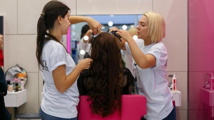 """Минимум макияжа и причёска """"как в жизни"""": смотрим первую фотосессию """"Мисс Екатеринбург"""" и голосуем"""