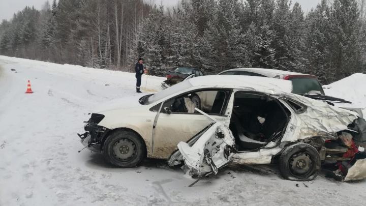 В массовой аварии, произошедшей на Серовском тракте, погибла пассажирка одной из машин