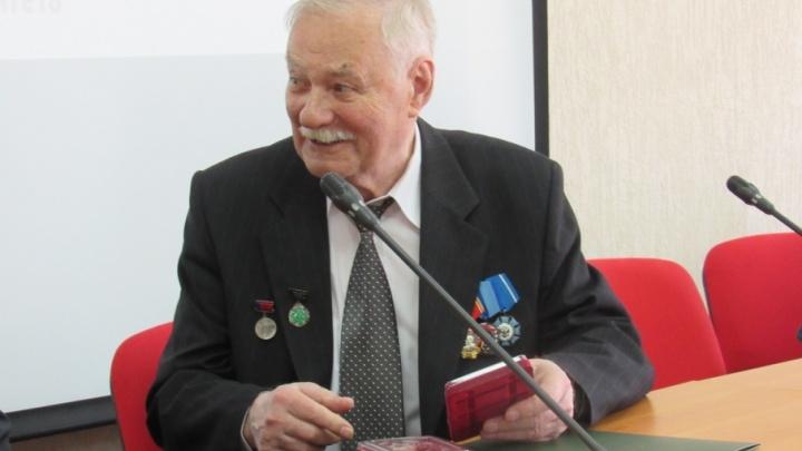В КГУ поздравили с 85-летием создателя БМП-3 Александра Благонравова