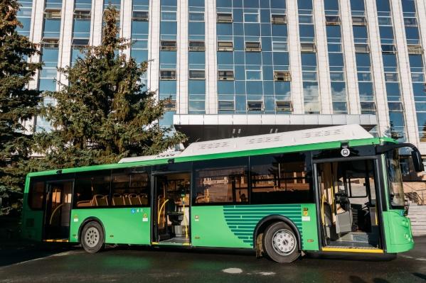 Сейчас в Тюмени уже работают 40 таких экономичных автобусов