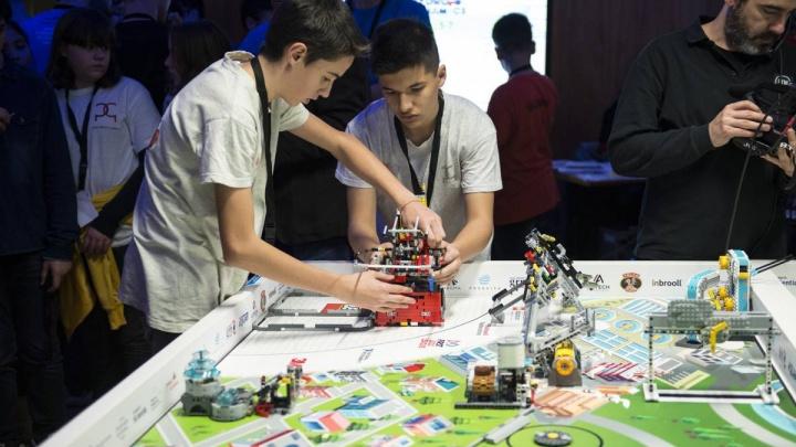 В Красноярске пройдет международный чемпионат по робототехнике. В феврале здесь построят город из лего