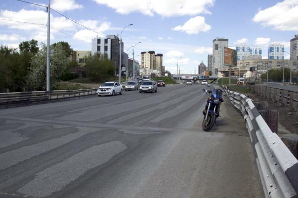 Спуск и подъём закроют со стороны улицы Журинская