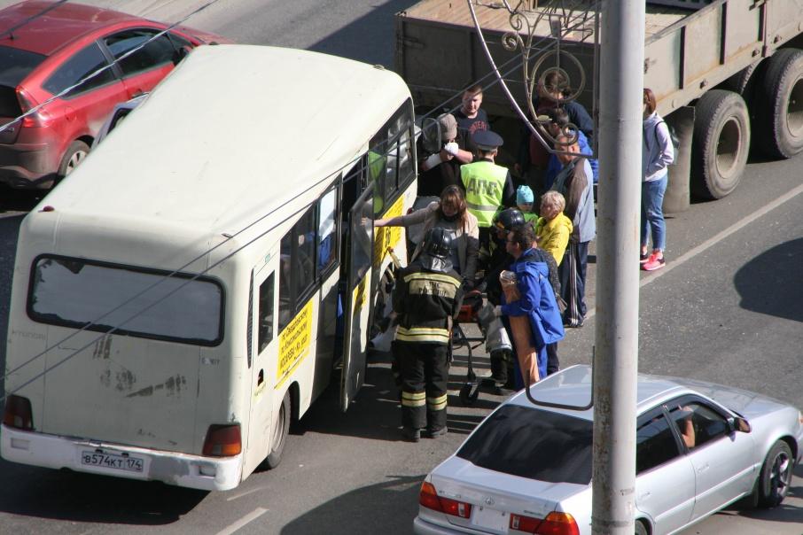 Среди пассажиров маршрутки есть пострадавшие
