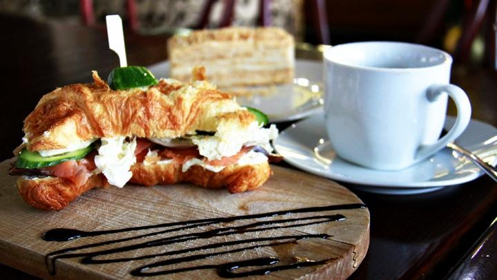 Горе-еда: три худших кафе Новосибирска