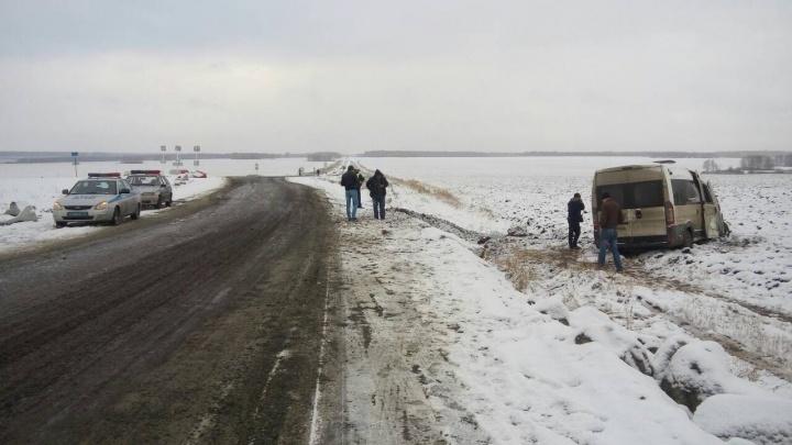 Количество пострадавших в ДТП с маршруткой на трассе в Челябинской области выросло до девяти
