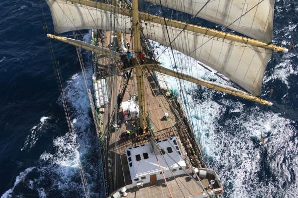 Палуба корабля с высоты 42 метров