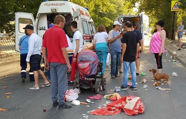 Разметало вещи из коляски: в Тольятти «двенадцатая» сбила ребенка на «зебре»