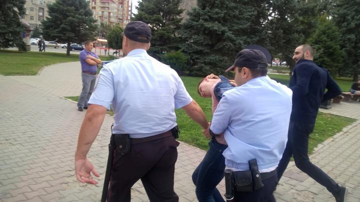 Ростов голосующий: задержания, пирожки, несанкционированный митинг и танцы