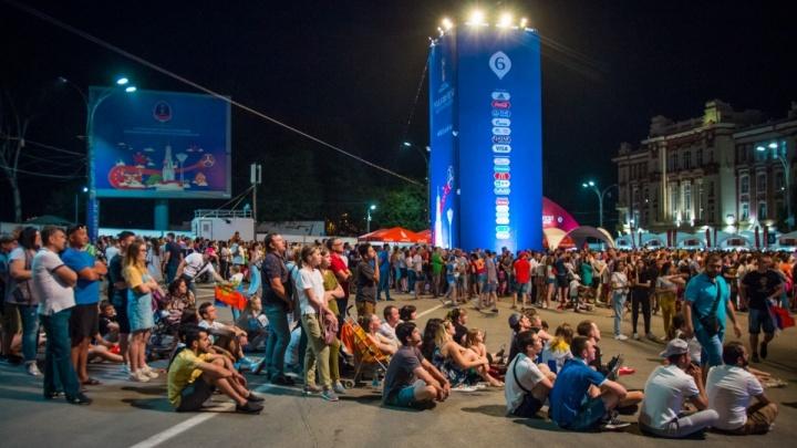 Футбол и музыка: рассказываем, какая программа ждет болельщиков в фан-зоне на Театральной