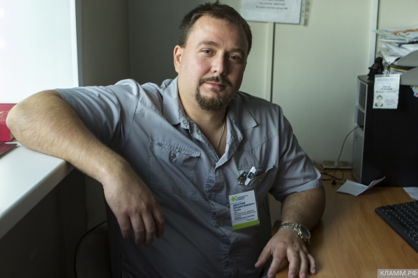 Дмитрий Титов работал врачом 15 лет, но, как рассказывают коллеги, успел за эти годы спасти много детей