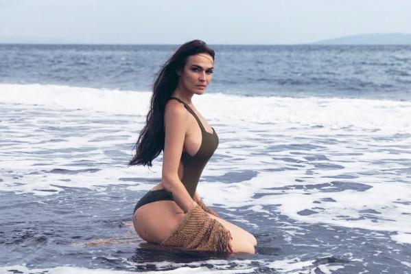 Очень много в разных контекстах Алёна говорила о Тюмени, где родилась и прожила до 20 лет
