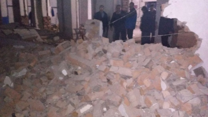 В Стерлитамаке рухнула стена склада: пострадали два человека