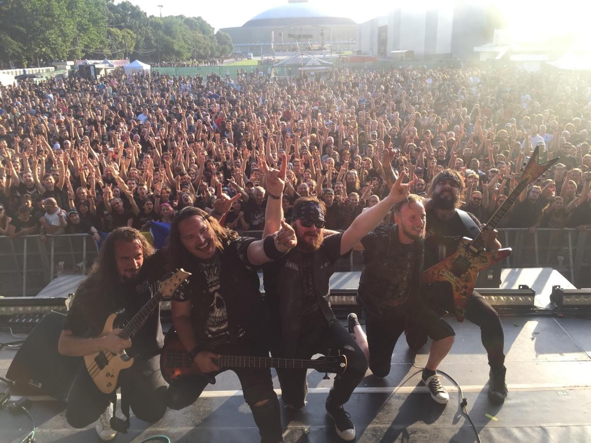 Первыми слушателями нового альбома сибиряков стали европейцы. На фото — концерт в Бухаресте 22 июля (аренаRomexpo)