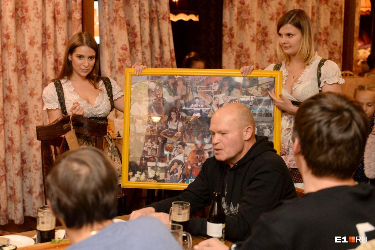 Коллаж с фотографиями команды ресторана и посетителей