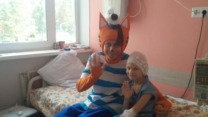 Девочку, у которой после падения выросла опухоль над губой, перевели на лечение в Москву
