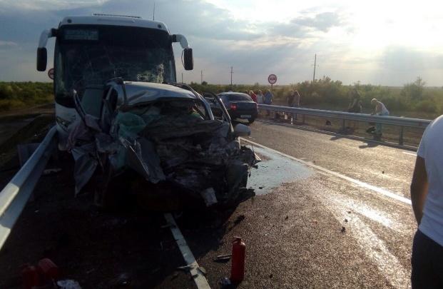 Кроссовер лоб в лоб налетел на автобус. По версии силовиков, ДТП спровоцировал житель Башкирии
