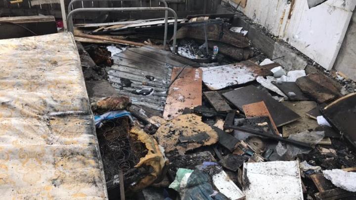 Неравнодушные красноярцы собрали 550 тысяч для многодетного отца, потерявшего дом в пожаре