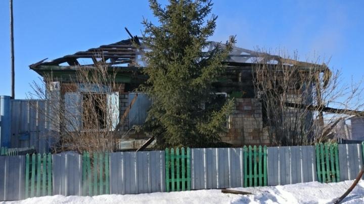 «Состояние крайне тяжёлое»: двое малышей попали в ожоговый центр Челябинска после пожара