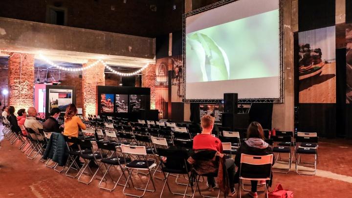 Кино и живопись в «Маяке»: смотрим, как в Нижнем Новгороде проходит фестиваль REALIST WEB FEST