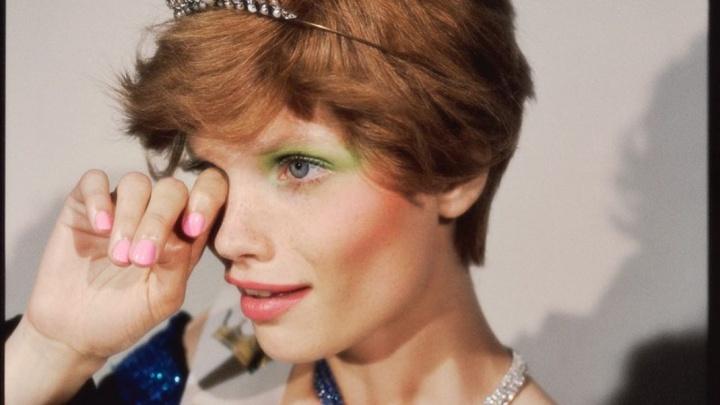 Популярная модель из Красноярска попала на страницы журнала Vogue в образе королевы выпускного
