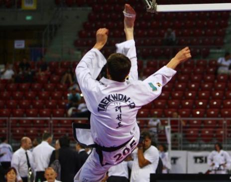Новосибирские бойцы завоевали 13 медалей на чемпионате и первенстве Европы потхэквондо в Италии