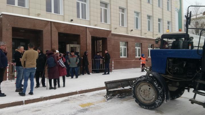 На слушания по бюджету Уфы на 2020 год не пустили журналистов и активистов штаба Навального
