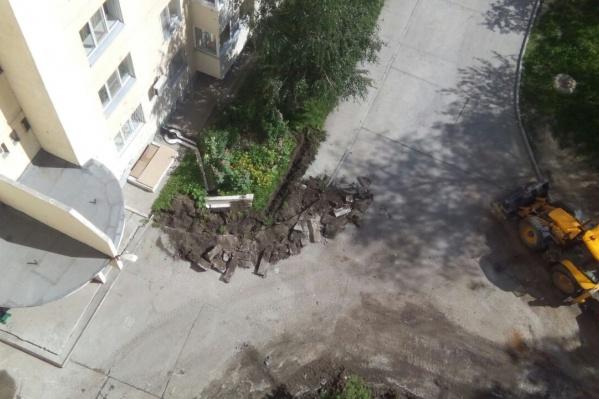 Местные жители утверждают, что ремонт здесь был совершенно не нужен