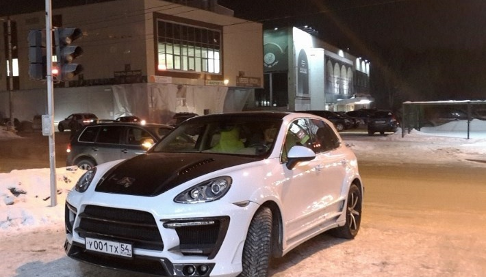 «Я паркуюсь как чудак»: Porsche 001 — стою где хочу