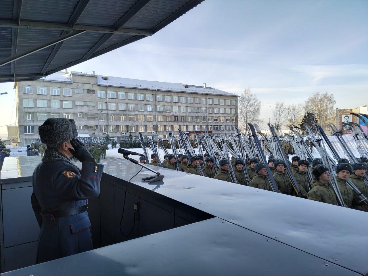Перед стартом участники соревнований спели гимн России
