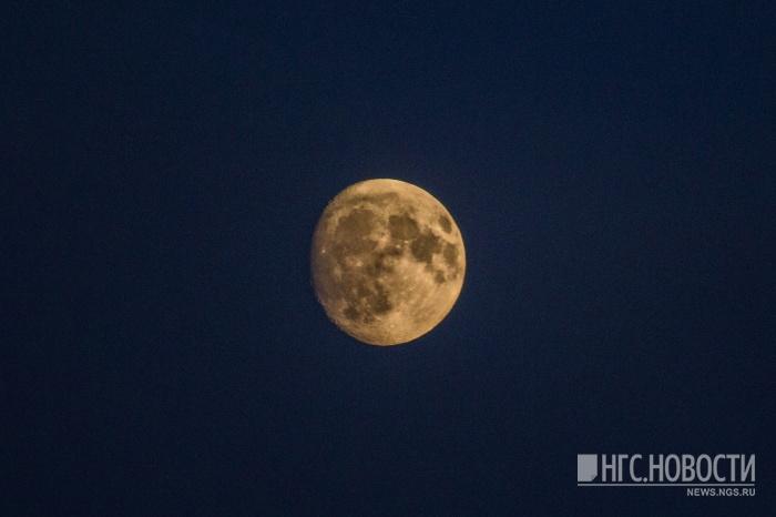 Сегодня ночью Луна пройдёт по созвездию Тельца