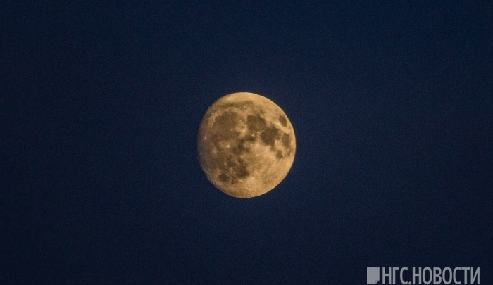 Если небо будет чистым: Луна спрячет яркую звезду над Новосибирском