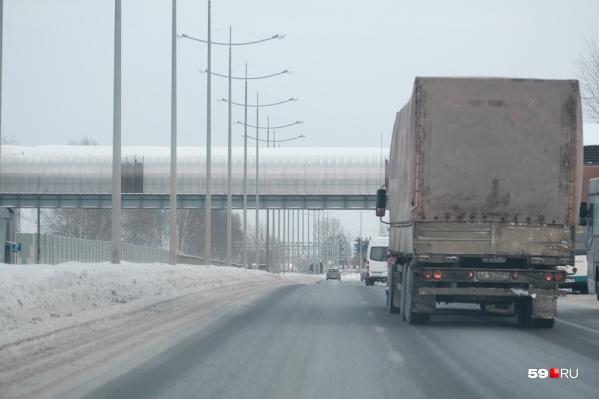 Чтобы ездить по дорогам Прикамья, многим водителям большегрузов придется получить разрешение