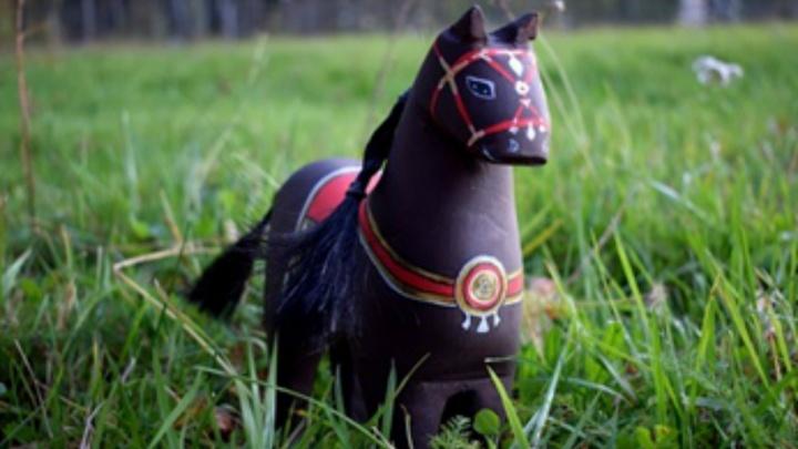 Ход конём: лучшим ярославским сувениром стала деревянная лошадь