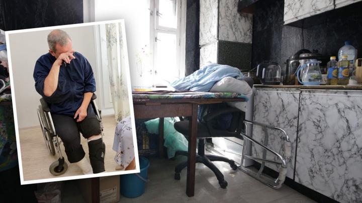 «Окурок залетел на балкон»: из-за пожара челябинскому инвалиду-колясочнику пришлось спать на столе
