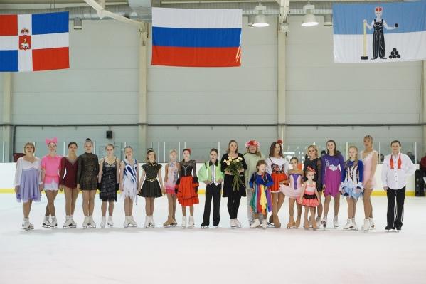 Анна Никонова со своими учениками