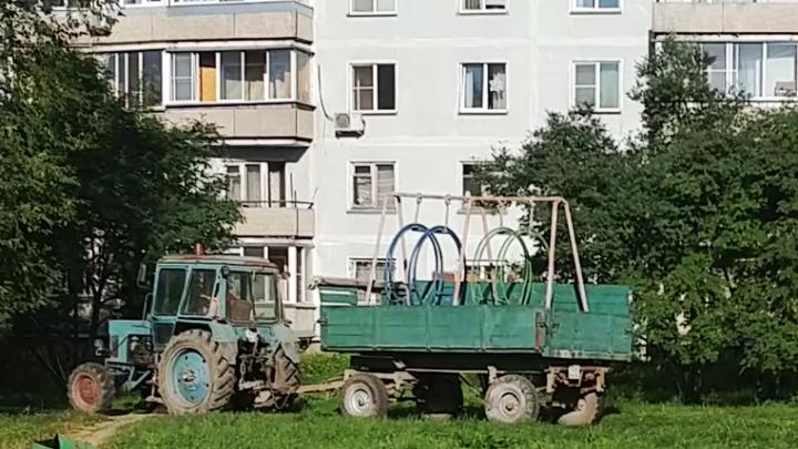 Прокуроры нагрянули в Краснообск после публикации НГС о «депутатском распиле качелей»