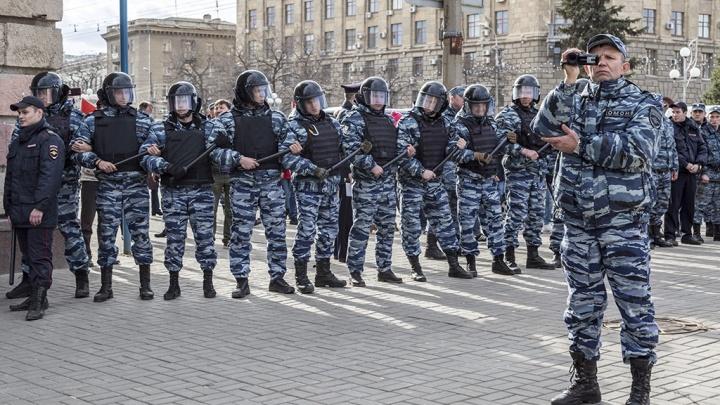 «Будем разгонять!»: полиция Волгограда пообещала не допустить на выходных шествий оппозиции