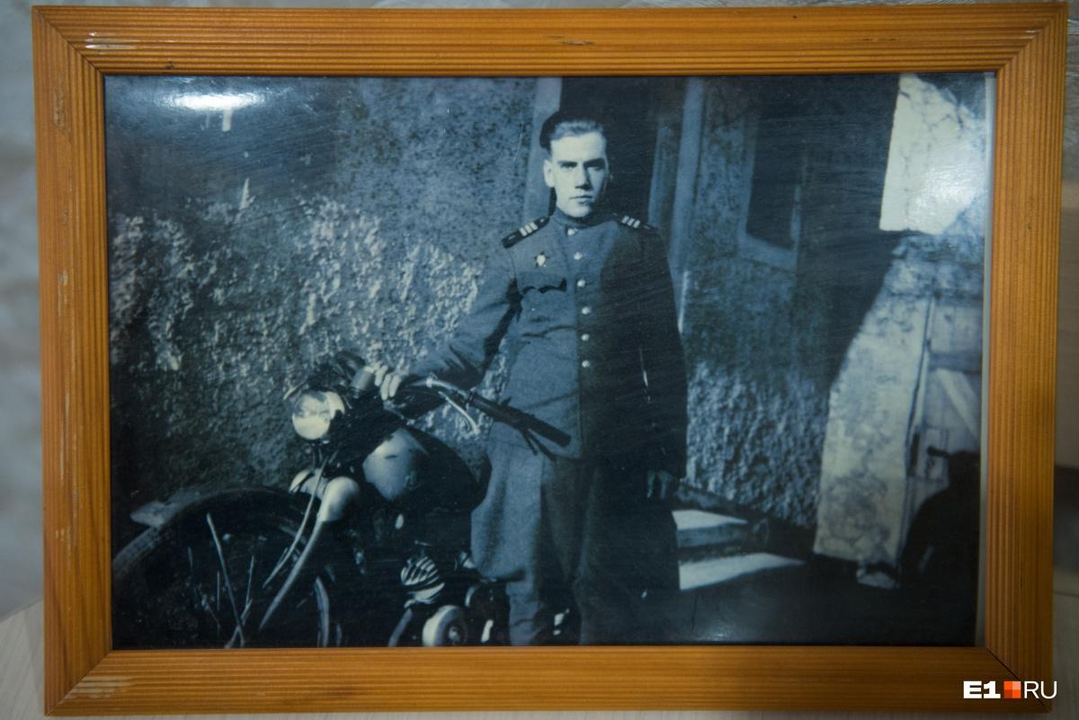 Первый транспорт — трофейный мотоцикл
