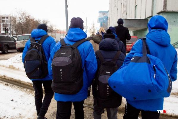 Подростки не хотят жить в России