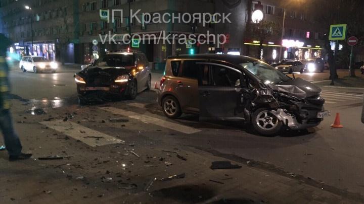 «Месиво в центре»: добропорядочный водитель влетел в «Мерседес» и оказался в больнице