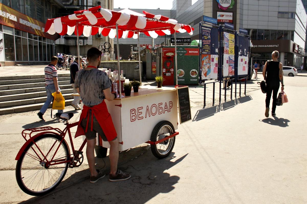 «Велобар» припарковался на площадке перед ГУМом