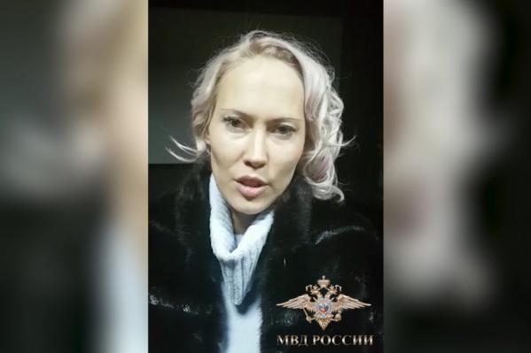 Женщина с подругой привезла 13-летнюю дочь в Москву на встречу с богатым спонсором