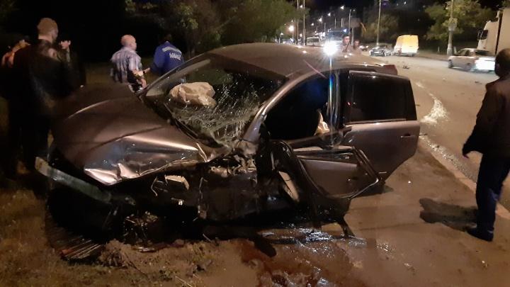 «На этом переходе часто сбивали прохожих»: в Волгограде вечерняя авария остановила Вторую Продольную