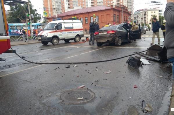 Машины протаранил автомобиль KIA Rio, который угнали