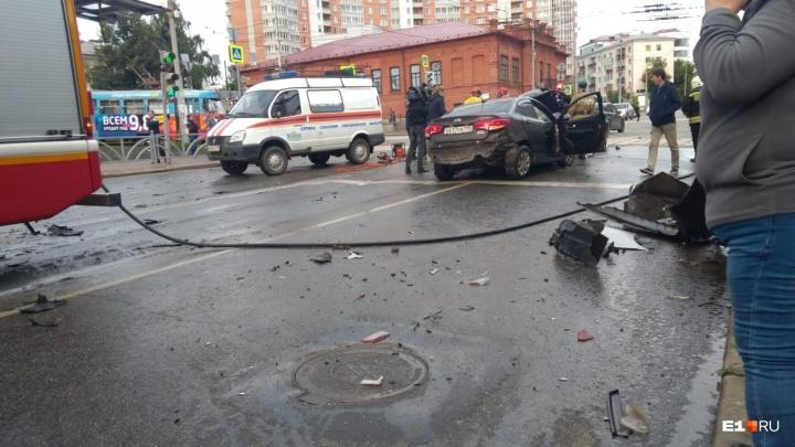 Парни, устроившие смертельную аварию на Малышева, угнали машину