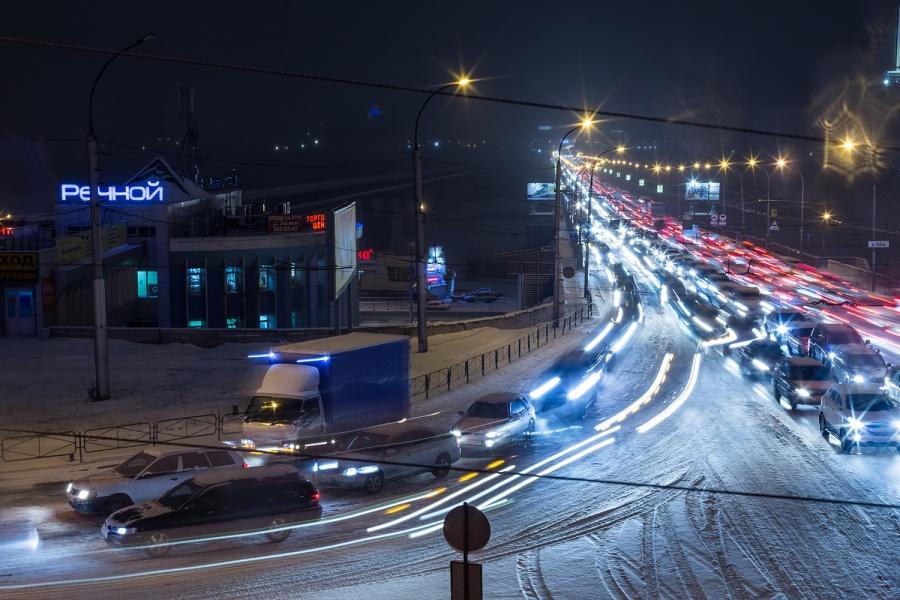 Новосибирск встал вдесятибалльных пробках— Транспортный коллапс