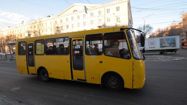 У популярного автобуса, который ездит с Уралмаша на ЖБИ, изменился маршрут