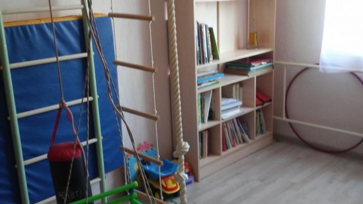 Детская для сестёр: как в одной комнате разместить всё, что нужно школьнице и четырёхлетке